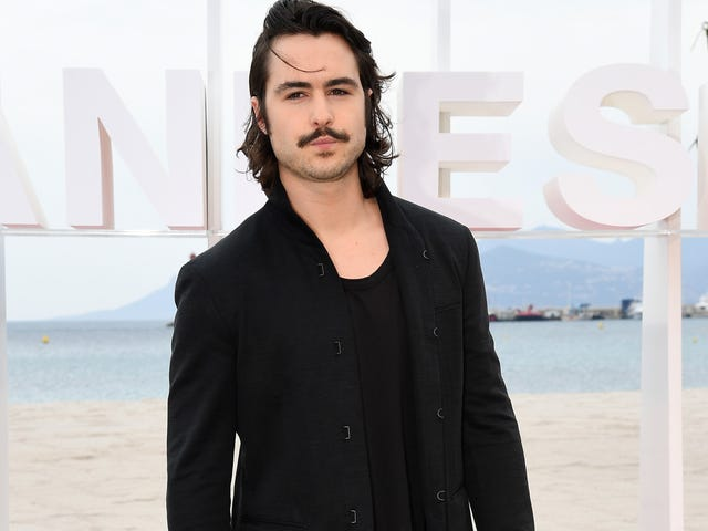 Warcraft's Ben Schnetzer Is Y: The Last Man's New Yorick