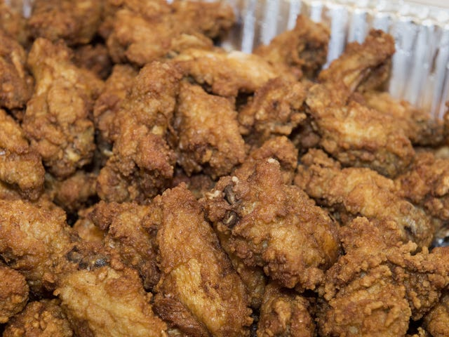 Finally, some good news: Forecasters predict cheap chicken wing prices through summer<em></em>