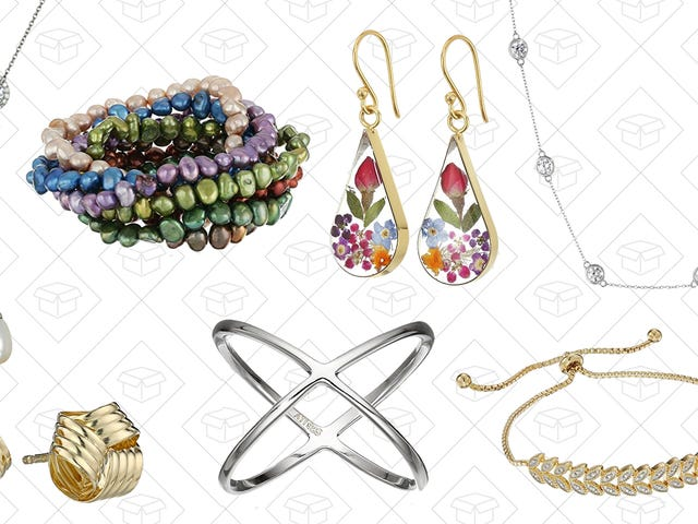 Amazon Really Wants You To Buy Jewelry For Your Mom