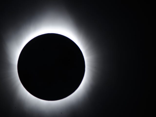 Lifehacker's Guide to the 2017 Eclipse total del Sol