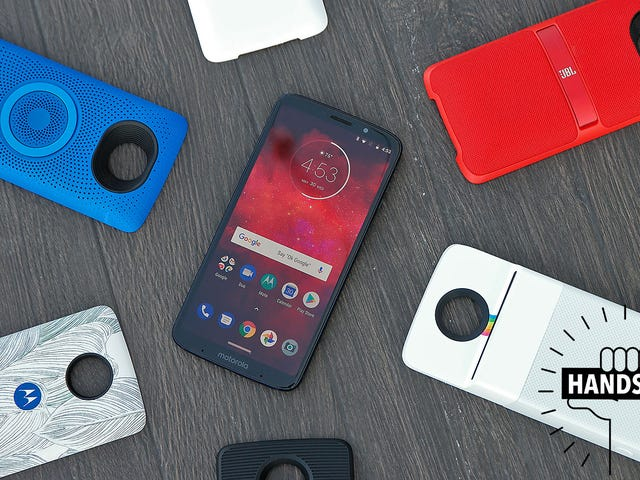 Motorola Won't Give Up on Modular Smartphones No Matter How Silly They Are