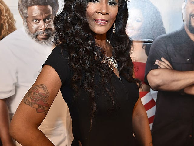 "A Second-By-Second Recap Of Momma Dee's ""I Deserve"""