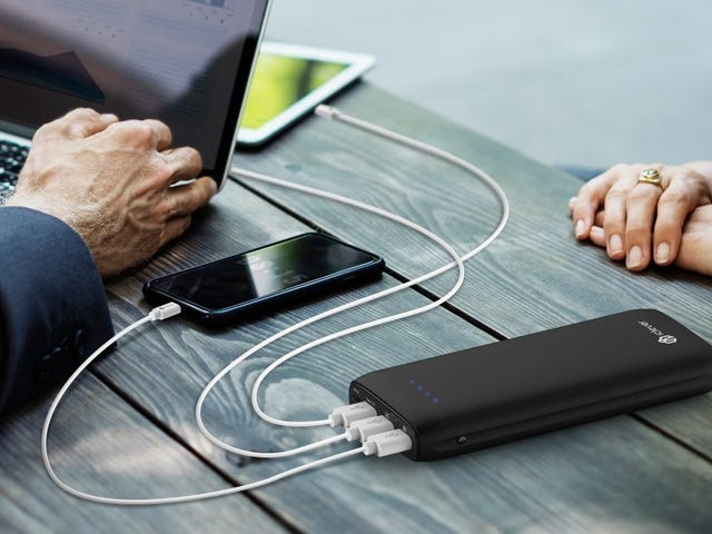 This $45 Battery Pack Can Charge Your Laptop or Switch at 30W
