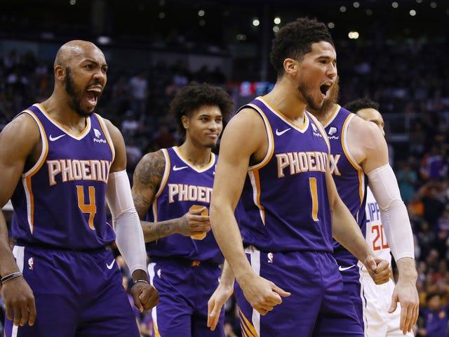 Inchinati davanti a The Mighty Devin Booker e ai suoi inarrestabili Phoenix Suns