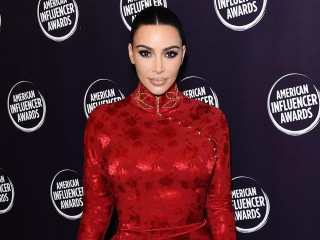 Kim Kardashian West zaprzecza nowym oskarżeniom Blackface, mimo że okładka magazynu sprawia, że jej wygląd jest całkiem mroczny