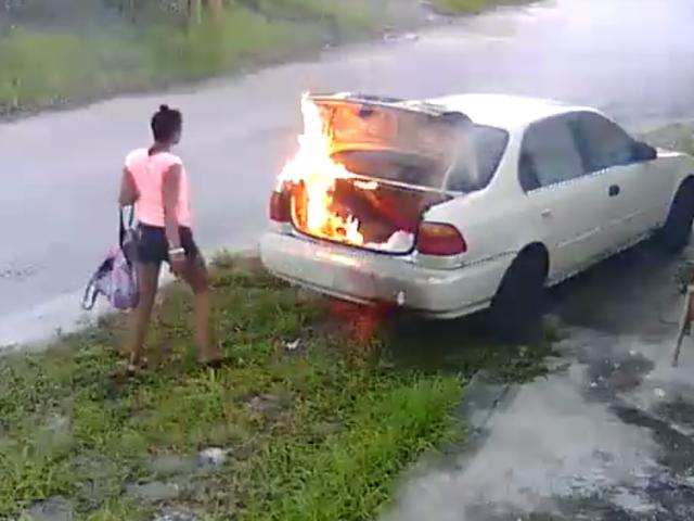 To uczucie, gdy zdajesz sobie sprawę, że ustawiłeś niewłaściwy samochód w ogniu