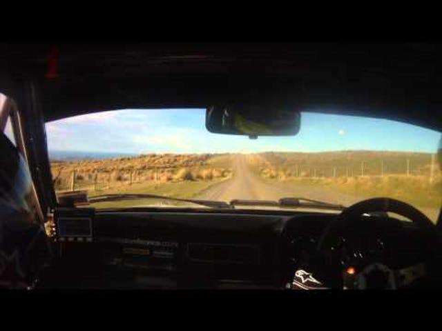 Pemandu WRC pergi SANGAT FAST dalam Pengiring.  Untuk keseronokan.