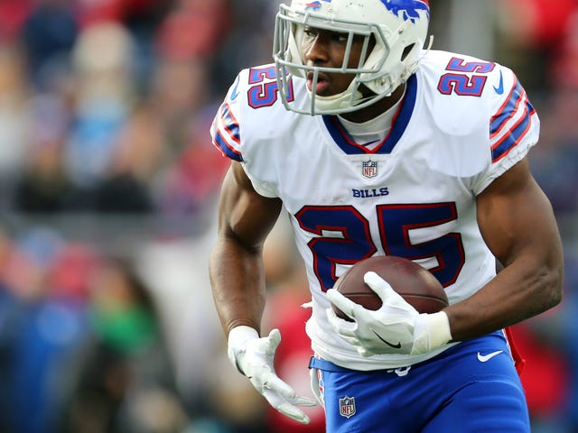 Audio: Delicia Cordon Told 911 Dispatcher She Believed LeSean McCoy Had Someone Attack Her