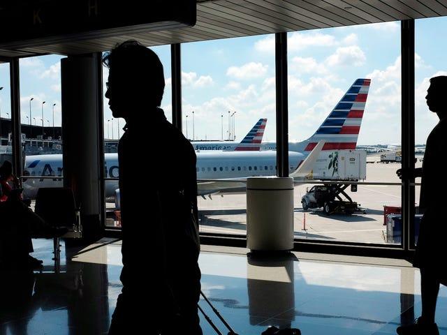 Miles de vuelos de vacaciones en American Airlines no tienen pilotos debido a fallas en la computadora: Union
