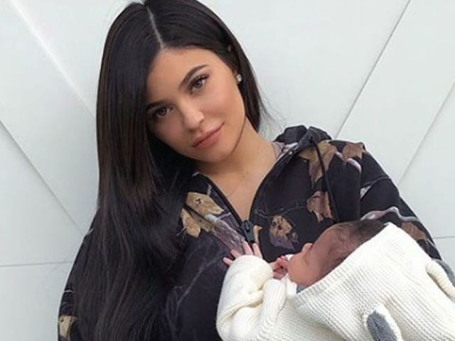 Kylie Jenner Shares First Full Pictures of Herself With 1-Month-Old Daughter Stormi