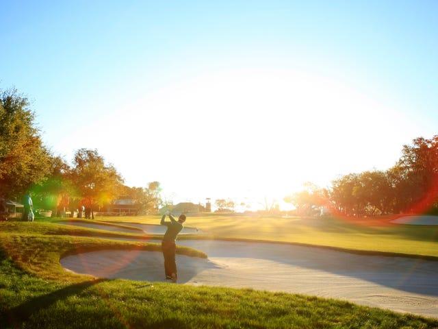 Nghĩa trang nô lệ được phát hiện dưới Câu lạc bộ Golf Florida.  Vậy làm thế nào về việc dừng chơi golf ở đó?