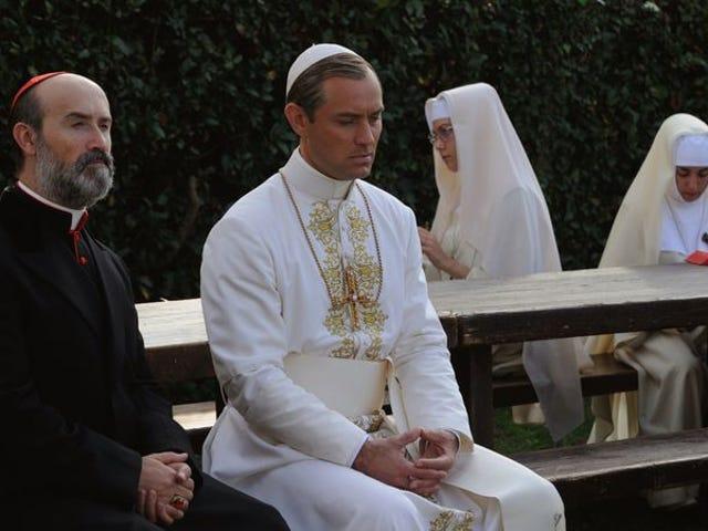 The Young Popeついに瞑想的な、曖昧なシーズンのフィナーレで彼自身を明らかにします
