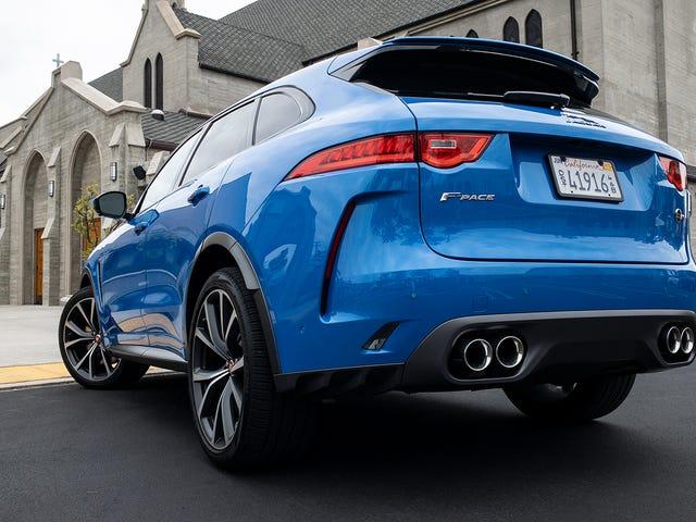 คุณต้องการรู้อะไรเกี่ยวกับ Jaguar F-Pace SVR 2019