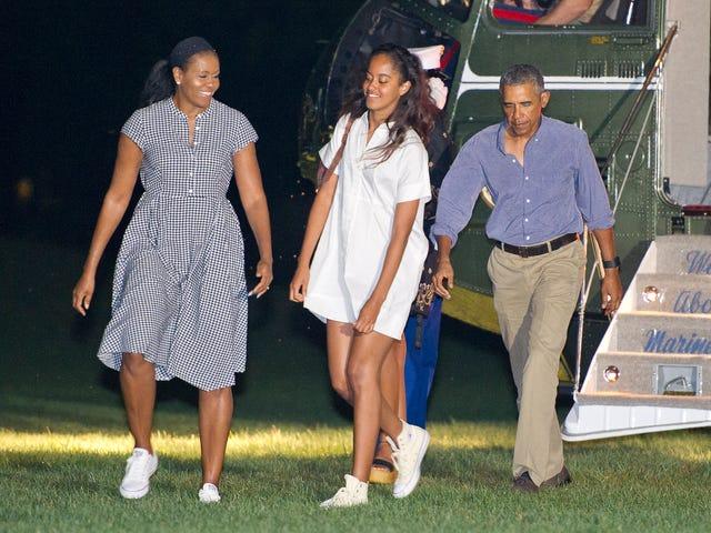 En sonunda!  Obama Kadınlarına Göre, Şimdi Resmen Sundress ve Sneaker Sezonu