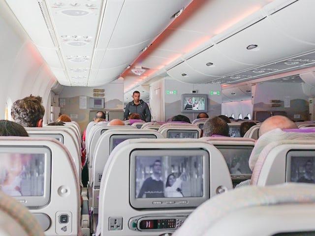 Une aerolínea pide disculpas tras tuitear los asientos en los que es más probable morir en caso de accidente