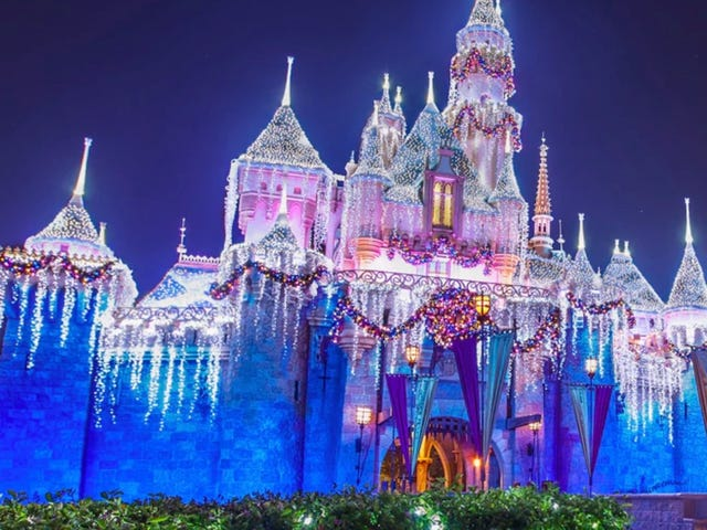 This Time-Lapse Video of Disneyland Transforming for the Holidays Is Truly Magical