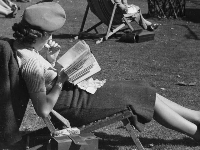Liste de lecture pour l'été: beaucoup de science-fiction et de fantaisie, un condensé de réalité féministe
