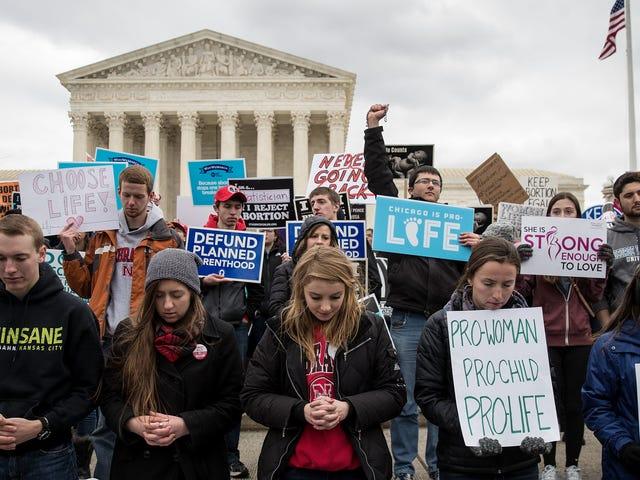"""L'Ohio sta riportando la proposta di legge """"Heartbeat"""" che criminalizza in modo efficace tutti gli aborti [Aggiornato]"""