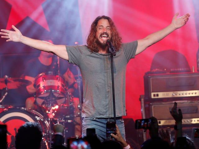 La vedova di Chris Cornell chiede ai fan di presentare i loro ricordi preferiti di lui