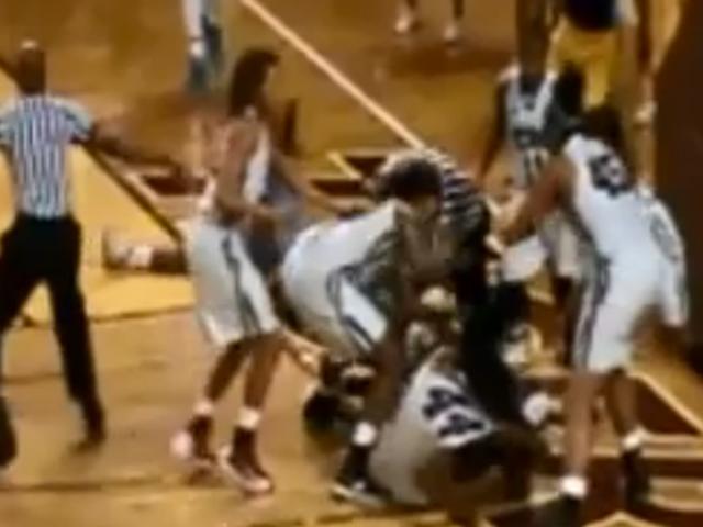 महिलाओं के बास्केटबॉल खेल में भारी विवाद 15 निलंबन में परिणाम