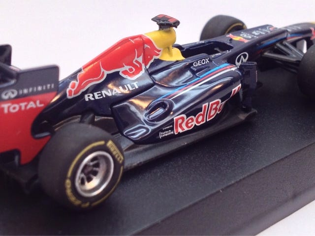 Kyosho Red Bull RB8