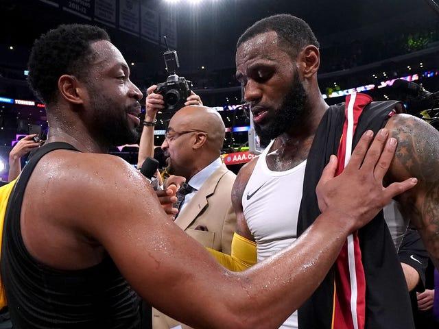 LeBron consegue acidentalmente atormentar os fãs de Knicks durante a despedida de Dwyane Wade