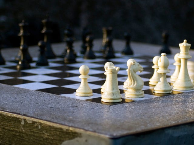 AlphaZero Annihilates World's Best Chess Bot After Just Four Hours of Practicing