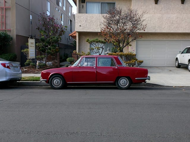 Found on the LA street: Alfa Romeo 2000 Berlina
