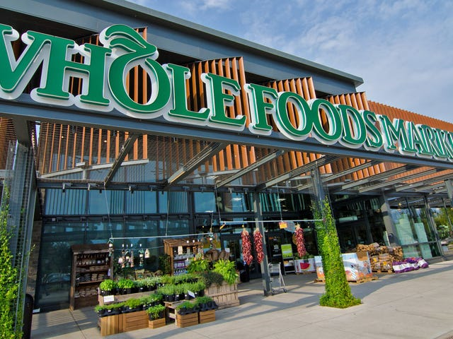 How to Order Your Whole Foods Groceries for Pick Up (If You're an Amazon Prime Member)