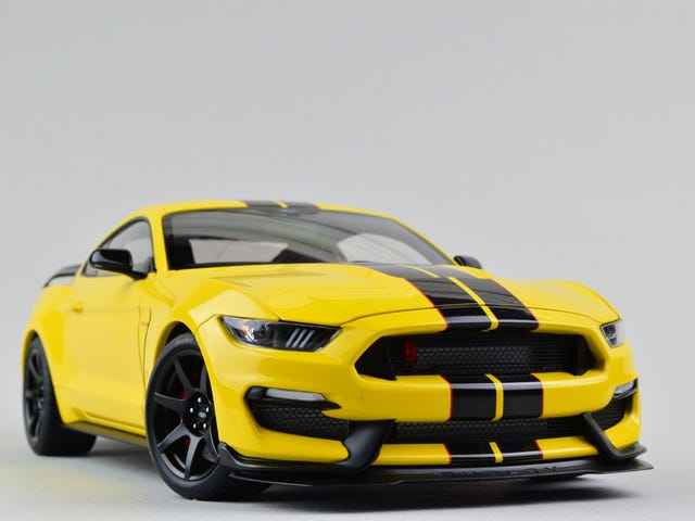 Mustang Monday: AUTOart Ford Shelby GT-350R