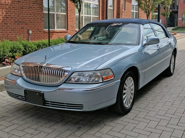 It's Time to Admit the Lincoln Town Car Is the World's Best Budget Performance Car