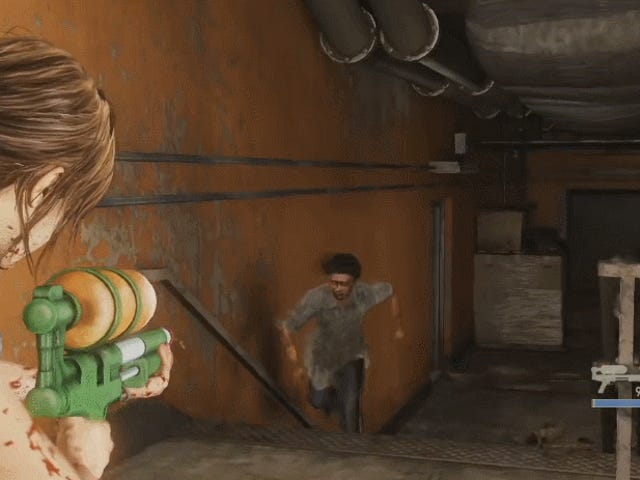 Моддер уничтожает зомби с помощью водяного пистолета в The Last Of Us
