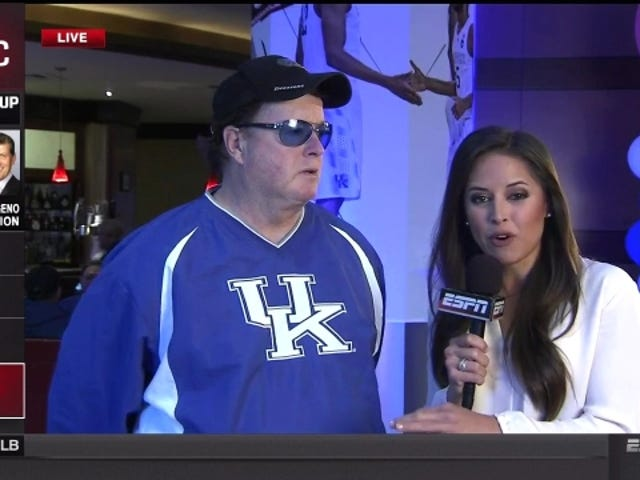 "ESPN의 Kaylee Hartung에게 No-Chill Kentucky Bro : ""You 're Gorgeous"""