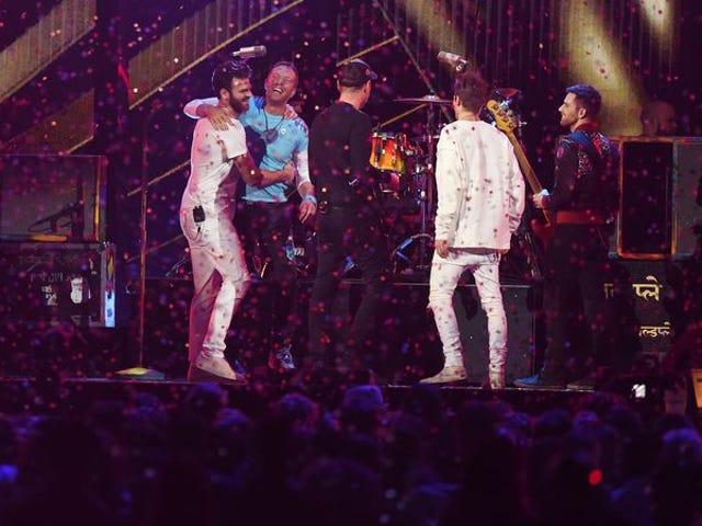 Κοιτάξτε τη συνεργασία αυτή του Chainsmokers με τον Coldplay, ισχυροί και απελπισμένοι