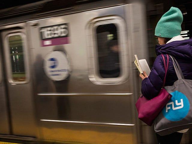 อ่านนิยายสั้น ๆ เกี่ยวกับการเดินทางของคุณด้วยแอพสั้น ๆ