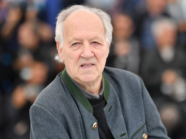 Werner Herzog ei ole koskaan nähnyt Tähtien sotaa, mutta hän kuitenkin tarkkailee Kardashiansia, Wrestlemaniaa