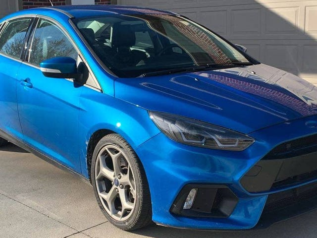 Với mức giá 12.900 USD, chiếc Ford Focus Focus ST ST Sedan 2016 này đã được chế tạo lại để bán nhanh chưa?
