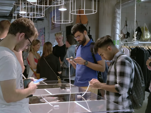 How to Survive a OnePlus 6 Pop-Up Event and Get the New Phone Before Everyone Else