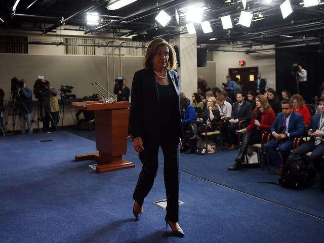 Người phụ nữ quyền lực nhất nước Mỹ đã gọi Mark Zuckerberg là kẻ lừa đảo.  Facebook không có phản bác