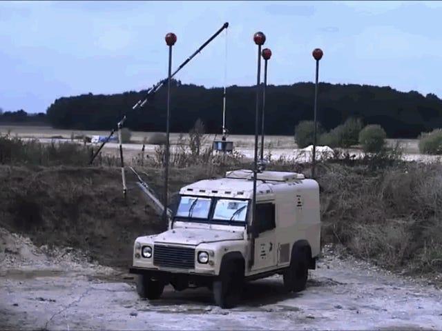 Este Land Rover zapewnia spójne i niezawodne rozwiązania w zakresie ochrony przeciwpożarowej i eksplozji