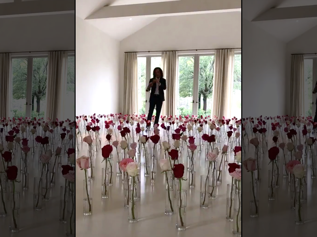 Kenny G Is Trapped in Kim Kardashian's Living Room for the Rest of Eternity