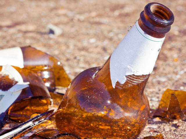 Yes, beer bottles can spontaneously explode