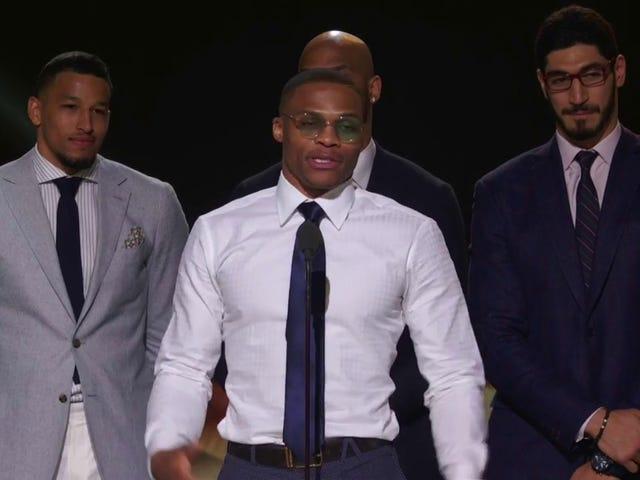 Russell Westbrook'un MVP Kabul Konuşması Beklemeye Değerdi