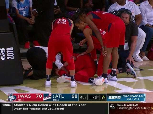 Elena Delle Donne Had An Awful Knee Injury At The Worst Possible Time