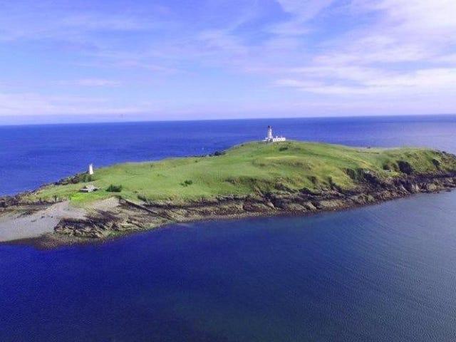 Por menos de 400 triệu euro puedes gồm esta preiosa isla de Escocia donde se cometió un asesinato khủng khiếp