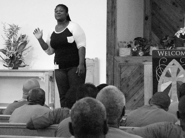 How 1 Black Woman Goes Inside Fla.'s Toughest Prisons to Help Inmates Get 'Free on the Inside'