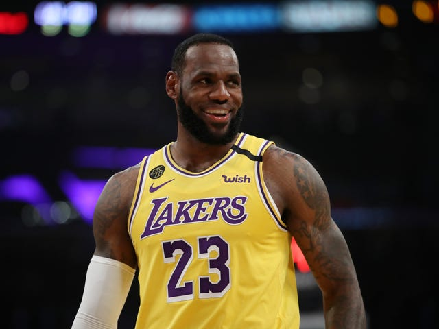 LeBron James on Playing With No Fans in Attendance Due to Coronavirus Scare: 'Nah'
