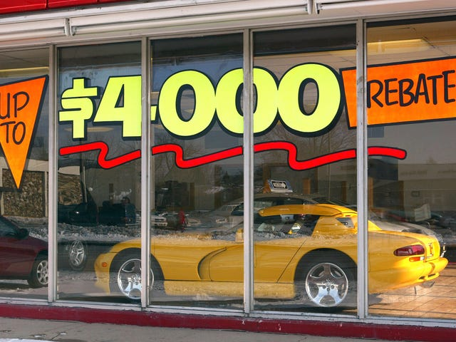 Here's How Understanding Regional Discounts Can Save You Money On Your Next Car
