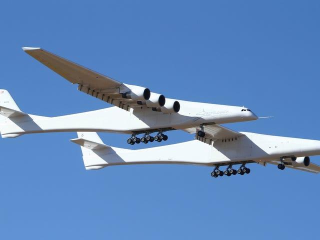 Stratolaunch, chiếc máy bay lớn nhất từ trước đến nay của sải cánh, thực hiện thành công trên chuyến bay Maiden