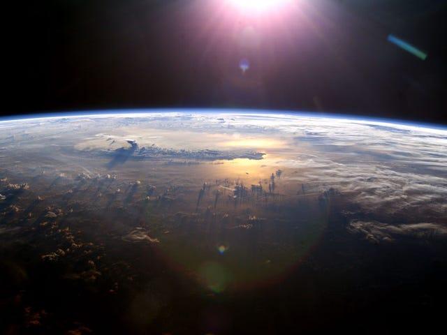 Что произойдет, если Земля остановит свою орбиту?  (Ничего хорошего)